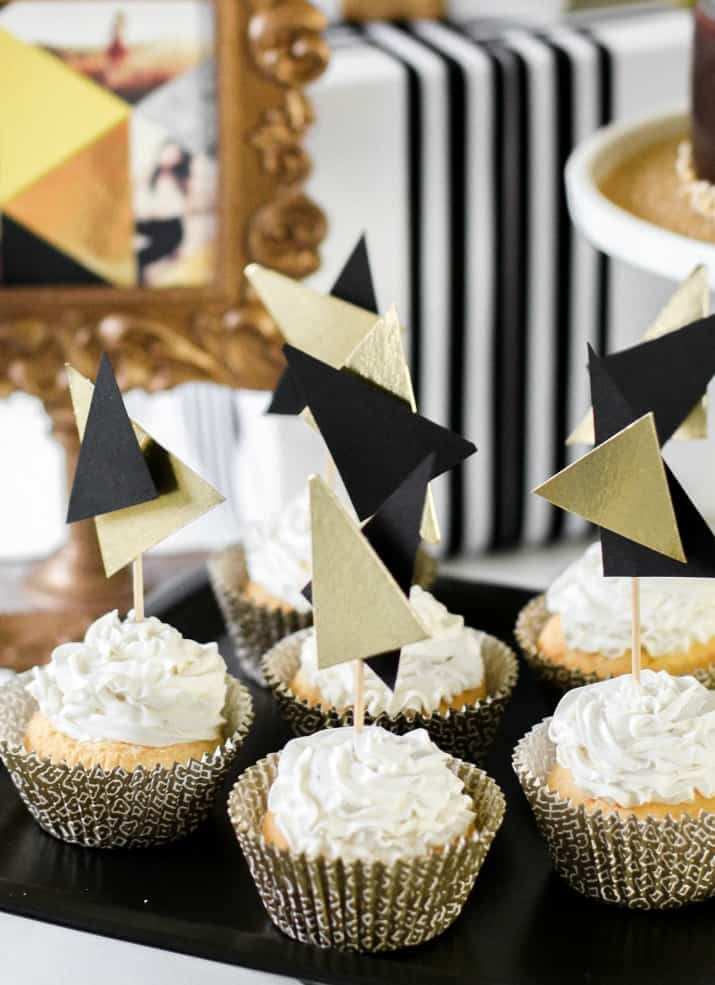 cupcakes with modern diy toppers