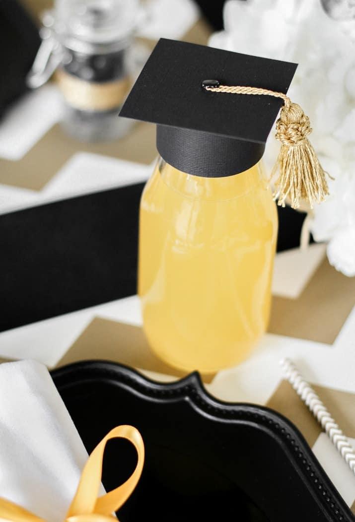 graduation table decor, diy