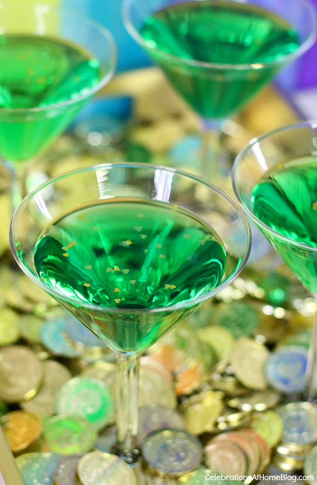 Green Leprechaun | Green Cocktail Recipes For St. Patrick's Day