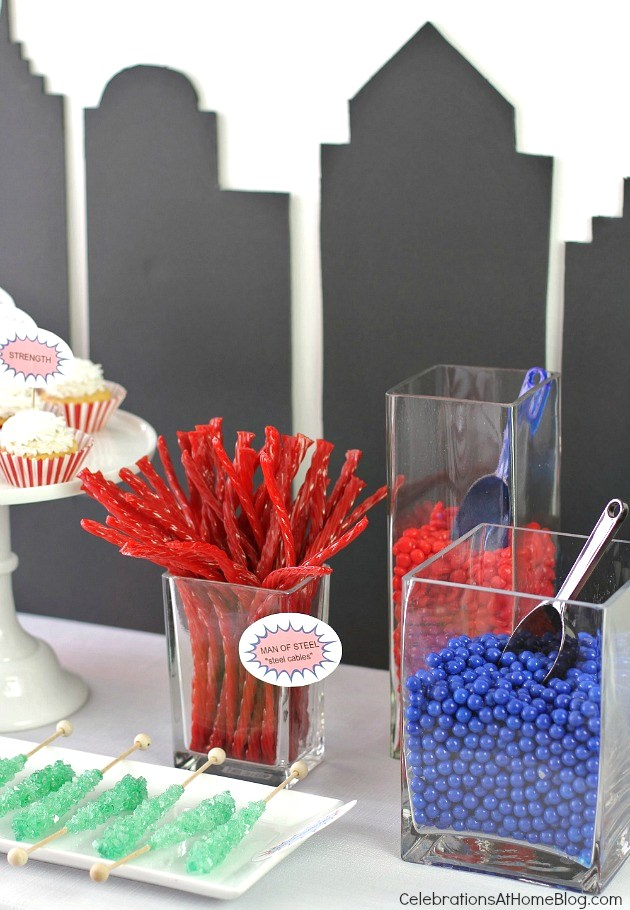 All you need are these 5 simple ideas for a fun Superman party. Super hero party ideas. Superman dessert table.