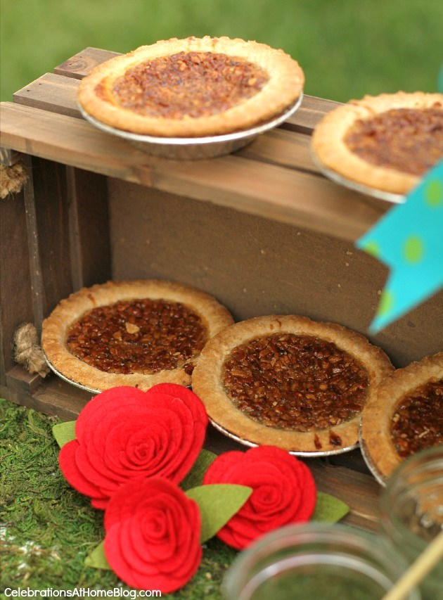 Kentucky-Derby-party-ideas_mini pies