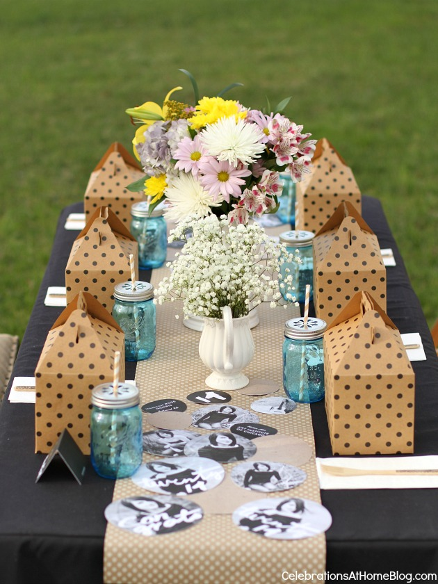 graduation party ideas boxed lunch tabletop setting