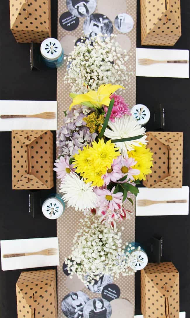 graduation party ideas boxed lunch tablescape