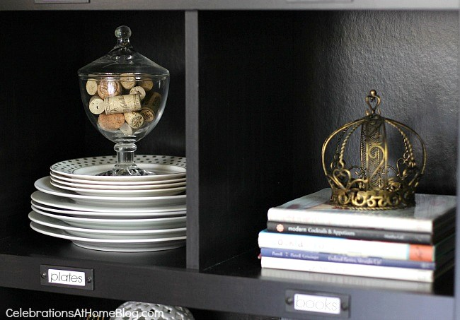 styling a bookcase for entertaining #entertaining