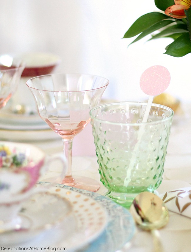 You'll get inspired by this beautiful bridesmaid luncheon with menu & recipes in a modern-meets-vintage style. Would be beautiful for any ladies luncheon or tea party! vintage glassware