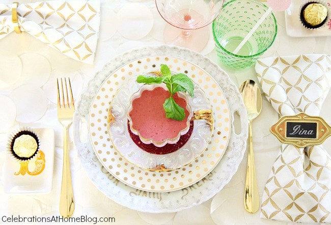You'll get inspired by this beautiful bridesmaid luncheon with menu & recipes in a modern-meets-vintage style. Would be beautiful for any ladies luncheon or tea party! - mix n match place settings