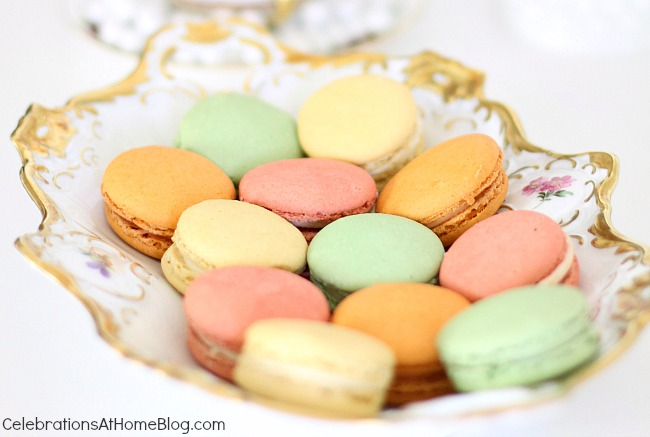 You'll get inspired by this beautiful bridesmaid luncheon with menu & recipes in a modern-meets-vintage style. Would be beautiful for any ladies luncheon or tea party! - macarons