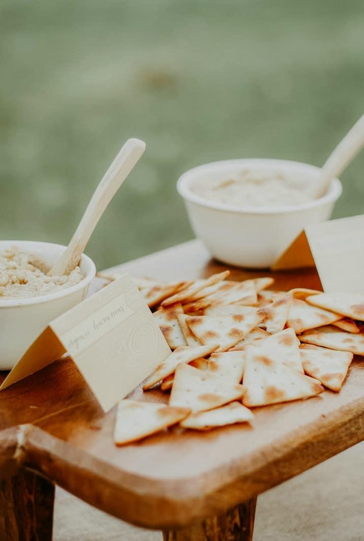 pita chips and hummus