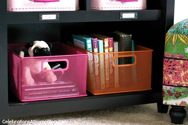 bookcase styling for tweens room