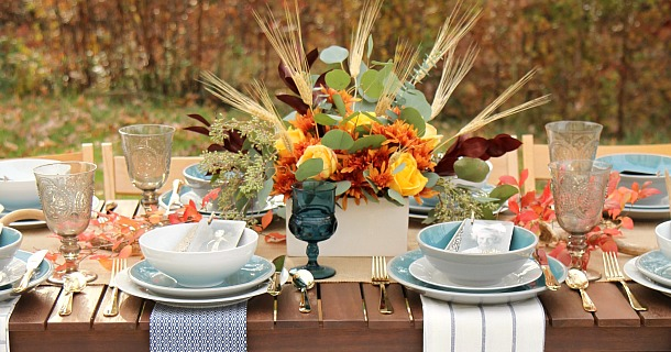 Simple and Elegant Thanksgiving Tablescape