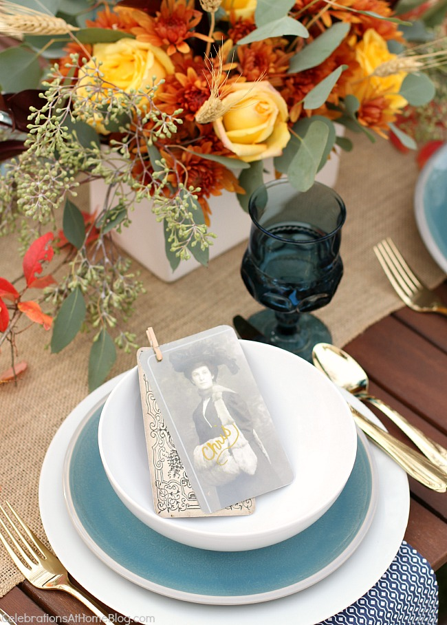 Set a simple and elegant Thanksgiving table with these ideas and inspiration.