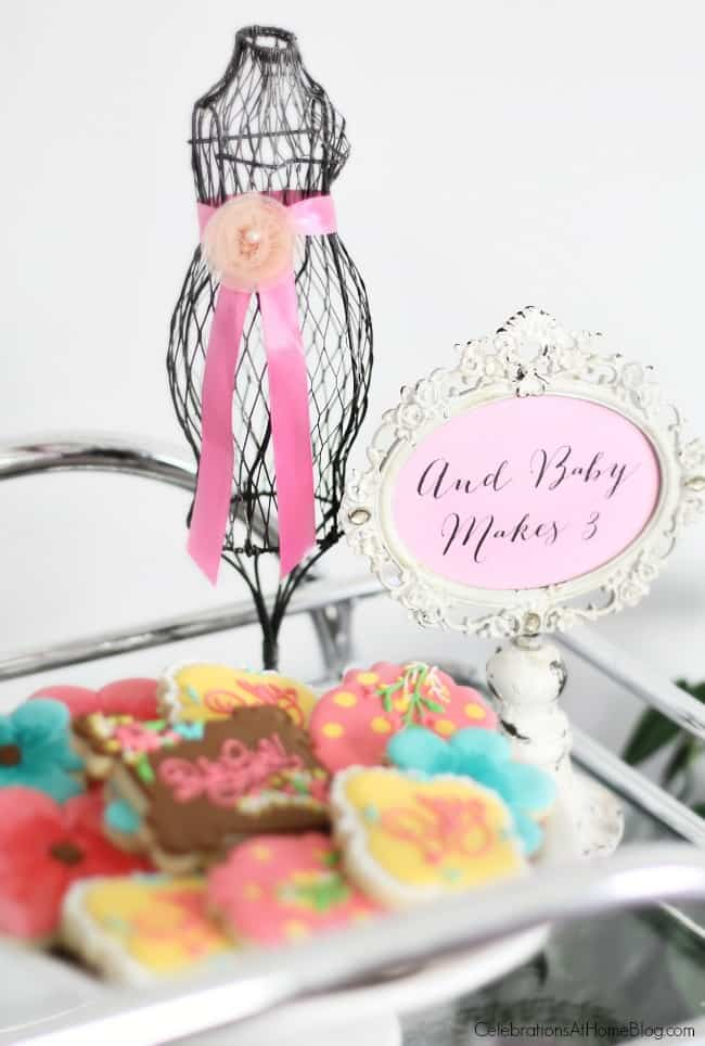 Baby shower sign and decor. Get ideas from this baby shower inspiration shoot. Lots of decor and tips!