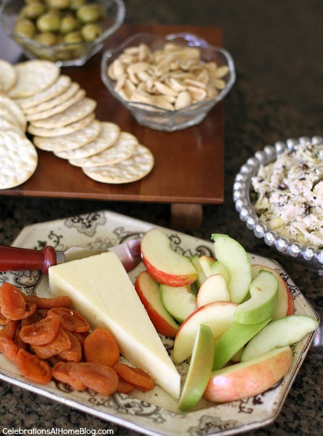Holiday appetizers & a cocktail are the perfect way to entertain at home. Serve this easy spread before a big meal or for happy hour. Recipes included.