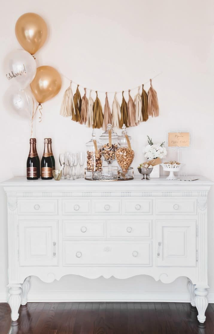 Entertaining with popcorn & bubbly bar for dessert