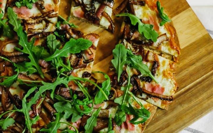 honey drizzled ham & arugula flatbread pizza recipe
