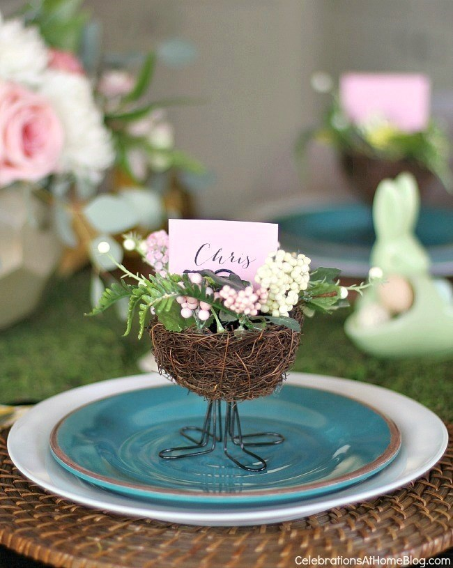 Easter brunch entertaining couldn't be easier than this! Follow my tabletop decorating ideas, and delicious menu with recipes here.