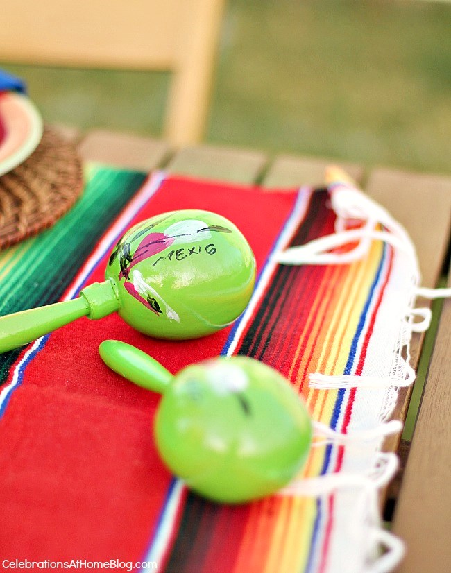 You'll love these entertaining and party ideas for Cinco de Mayo - use maracas as part of the table decor