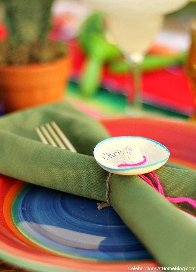 You'll love these entertaining and party ideas for Cinco de Mayo. - mini sombrero name tags