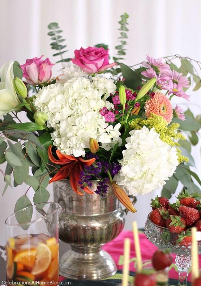 Flowers for a brunch table; tennis party ideas; Wimbledon brunch party.
