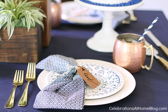 Father's day place setting. Get more ideas here.