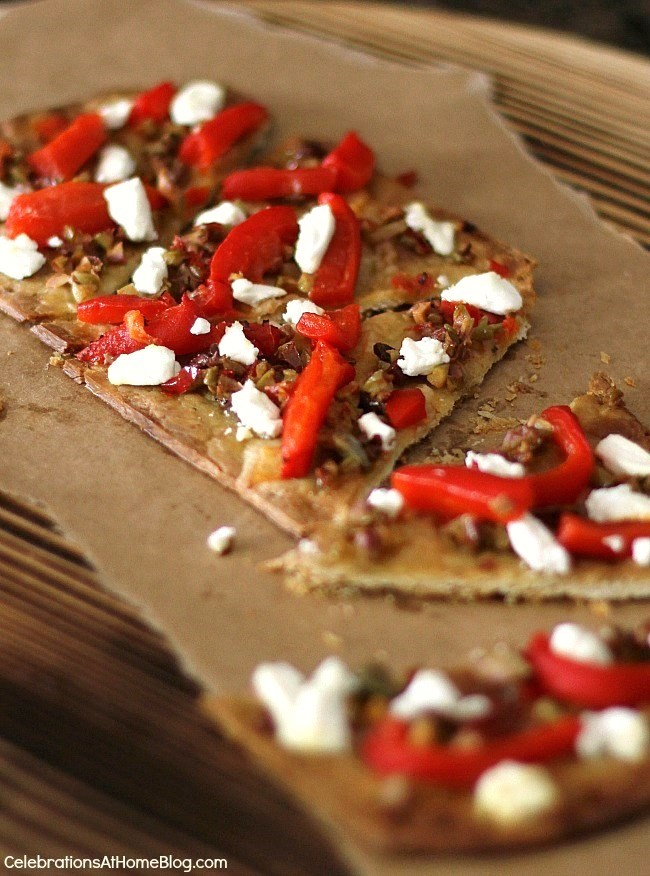 Make this olive tapenade flatbread appetizer for your next gathering with friends. It's restaurant-style at home!