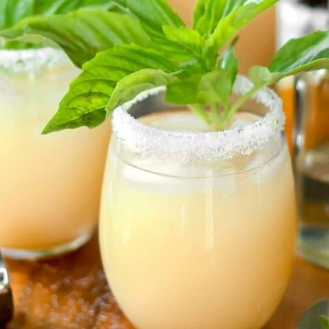 white grapefruit margarita cocktail recipe