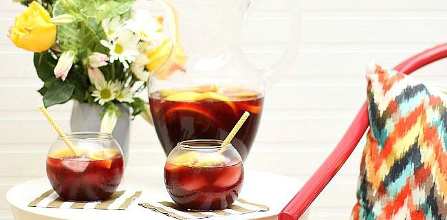 Delicious Spiced Sangria for Entertaining