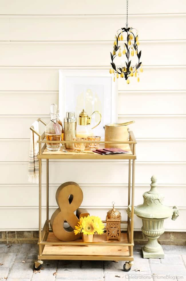 Set up a fall bar cart for entertaining; Get inspiration for home entertaining with my fall tabletop design featuring the latest trends and a rich color palette; plus tips and tricks to get the look.