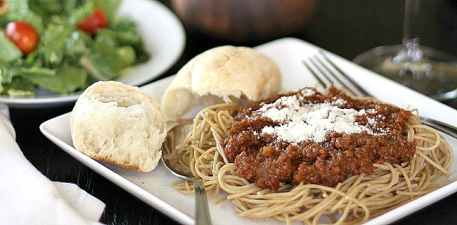 Slow Cooker Spaghetti Sauce for a Crowd