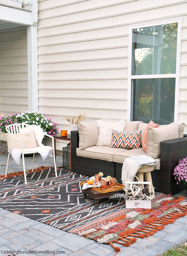 Friendsgiving Thanksgiving Celebration - party ideas, inspiration, and recipes. Patio lounge area.