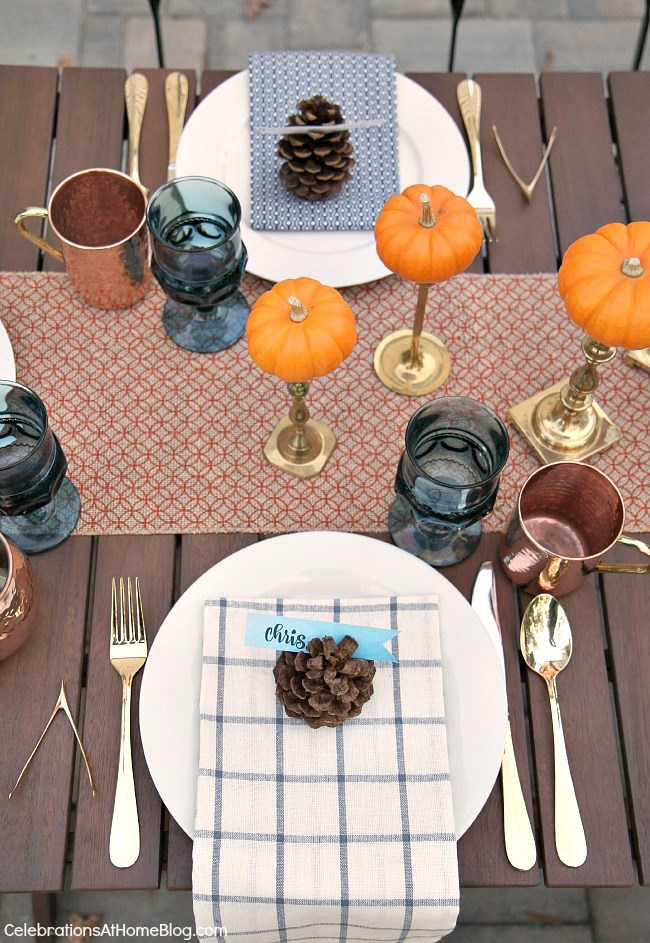 Friendsgiving Thanksgiving Celebration - party ideas, inspiration, and recipes. Thanksgiving place settings.