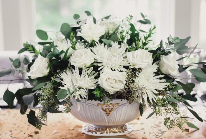 formal flower arrangement centerpiece