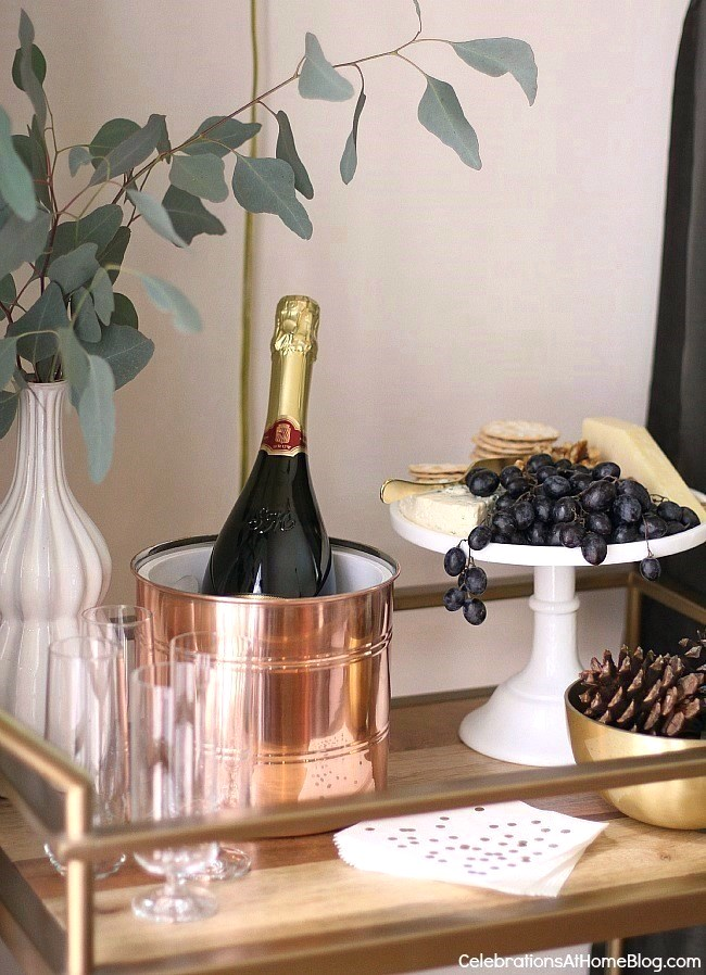 Check out my dining room update and holiday entertaining tips here. - holiday bar cart