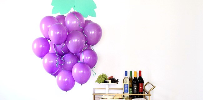 DIY Balloon Grape Cluster