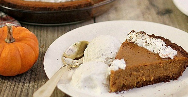 Easy Pumpkin Pie {our family favorite}