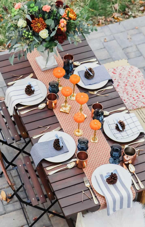 Friendsgiving Thanksgiving tablescape