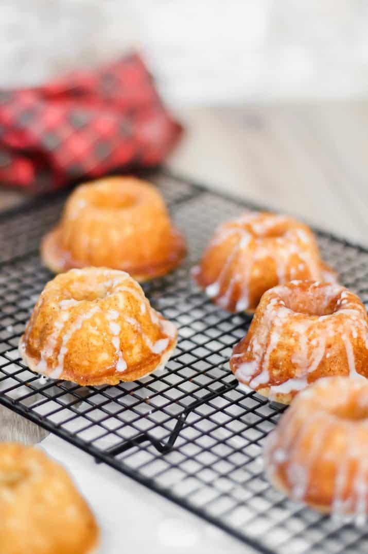 eggnog tea cakes with eggnog glaze