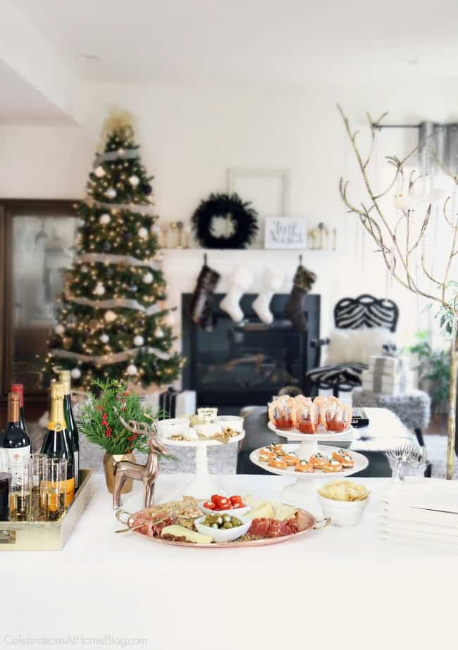 Host an easy cocktail party with these entertaining tips from CelebrationsAtHomeblog.com  #cocktailparty #entertaining #christmasparty #christmas