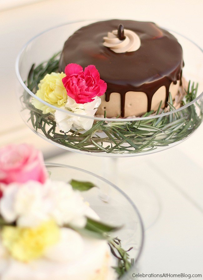 Welcome springtime with an Easter brunch complete with pastel tablescape and a tasty menu, right here. Easter brunch dessert chocolate cake