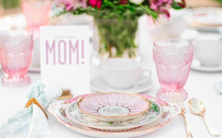 Mothers Day Brunch Table & Menu