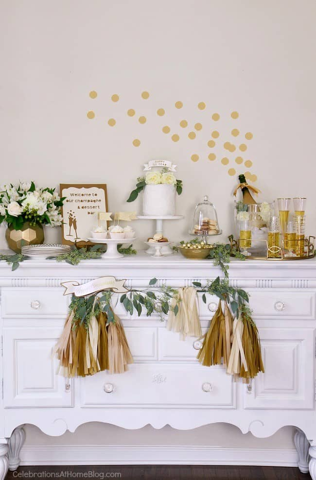 First anniversary party ideas you'll love; Gold and white dessert party. Dessert table ideas.