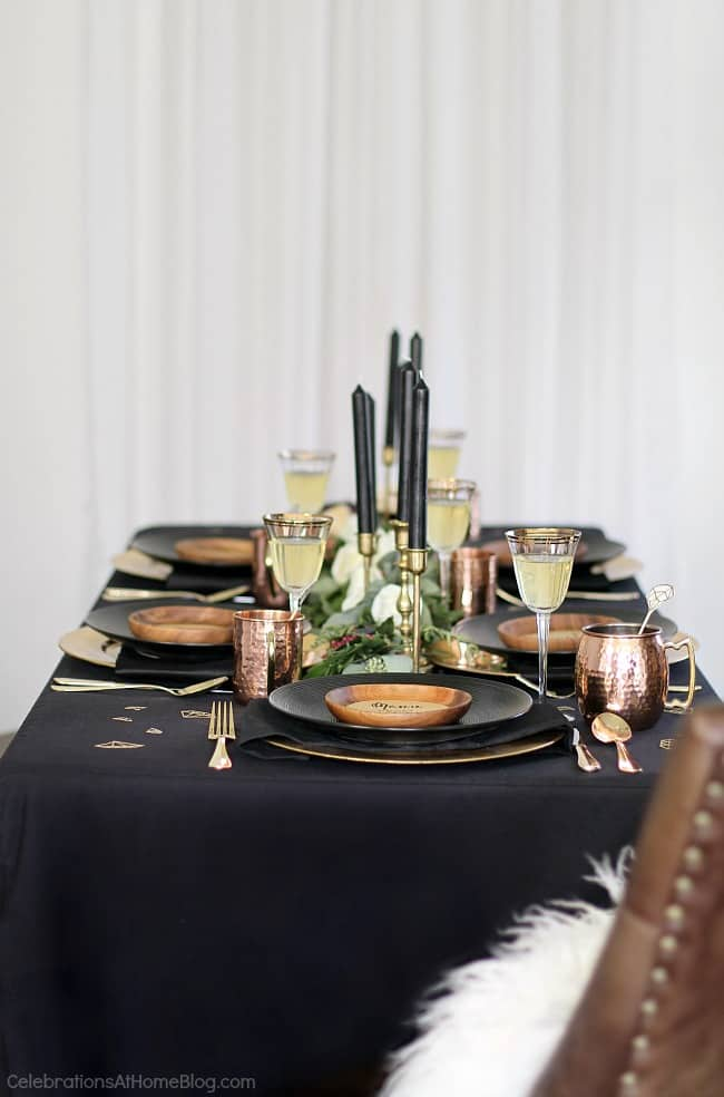 Black & gold bridal shower ideas for the do-it-yourself-er. A lovely styled shoot for a celebration at home.