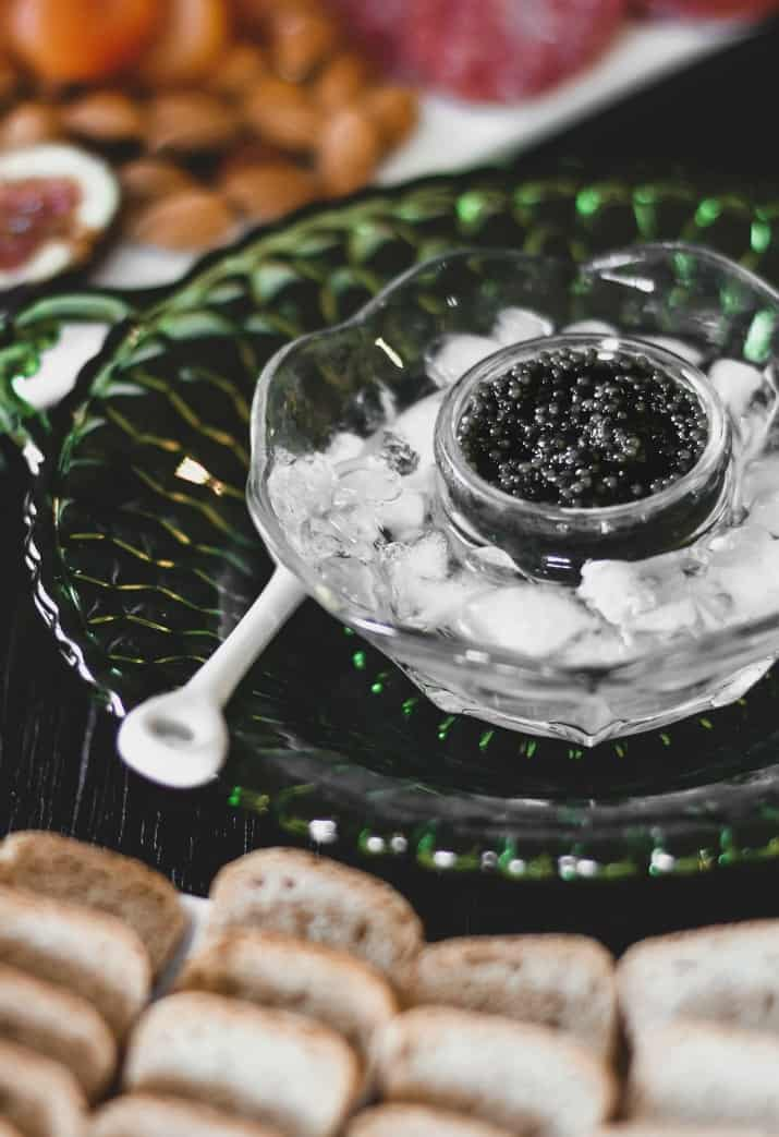 easy caviar hors d'oeuvres