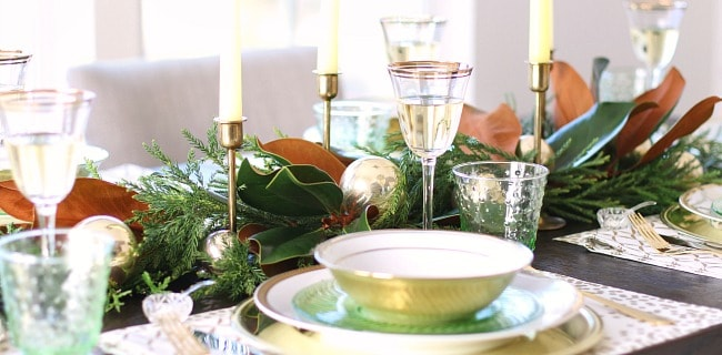 Green & Gold Christmas Tablescape Inspiration