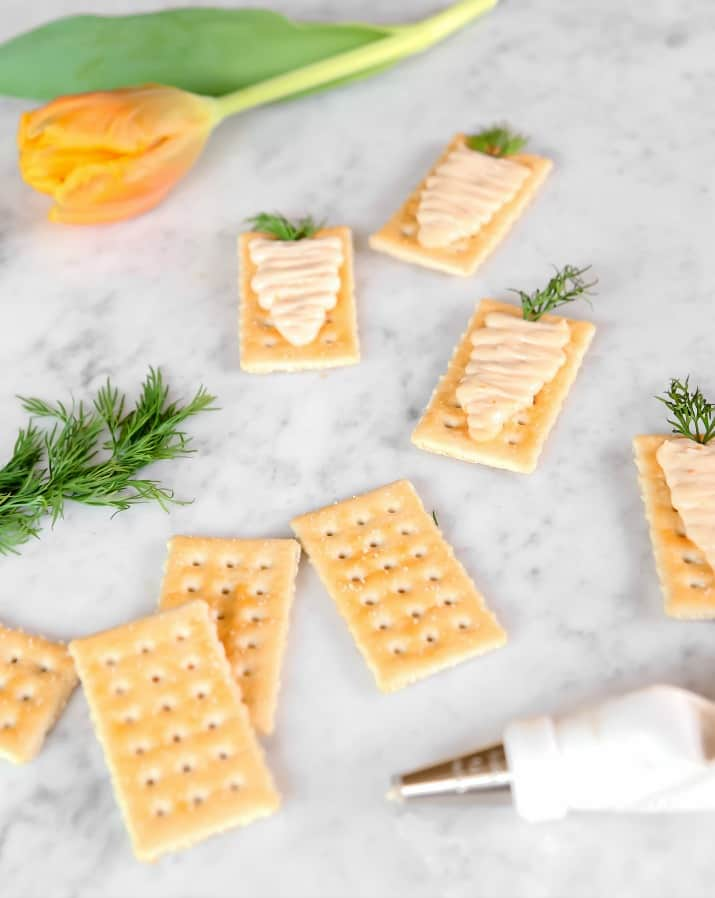 making snack crackers appetizers