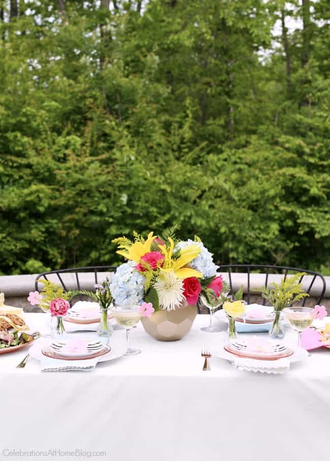 Host a ladies luncheon for your mom friends and set a mothers day tablescape! Ideas and inspiration here, from Chris Nease of CelebrationsAtHomeBlog.com