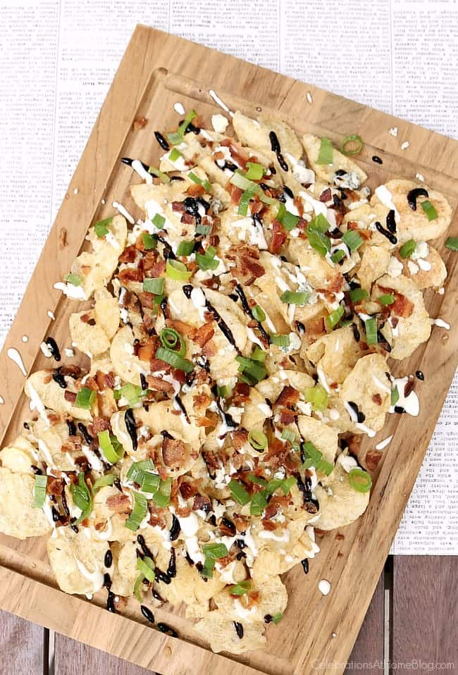 Theseblue cheese and balsamic kettle chips are a delicious snack or casual appetizer. Get this party food recipe here