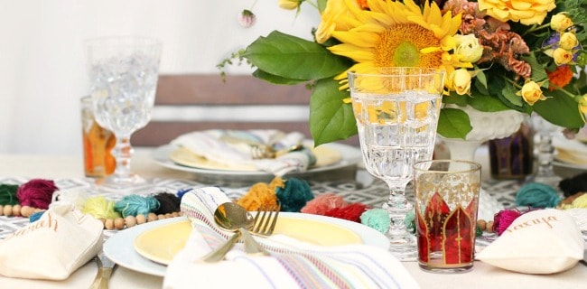 Gorgeous Dinner Party with Iced Tea Bar Ideas