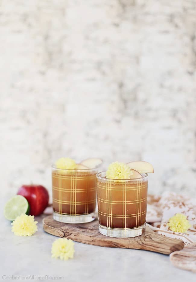This spiced apple pie cocktail tastes amazing for happy hour or entertaining at home. Get the recipe here, from @CelebrationsAtHome #cocktailRecipe #ApplePieCocktail #Apple