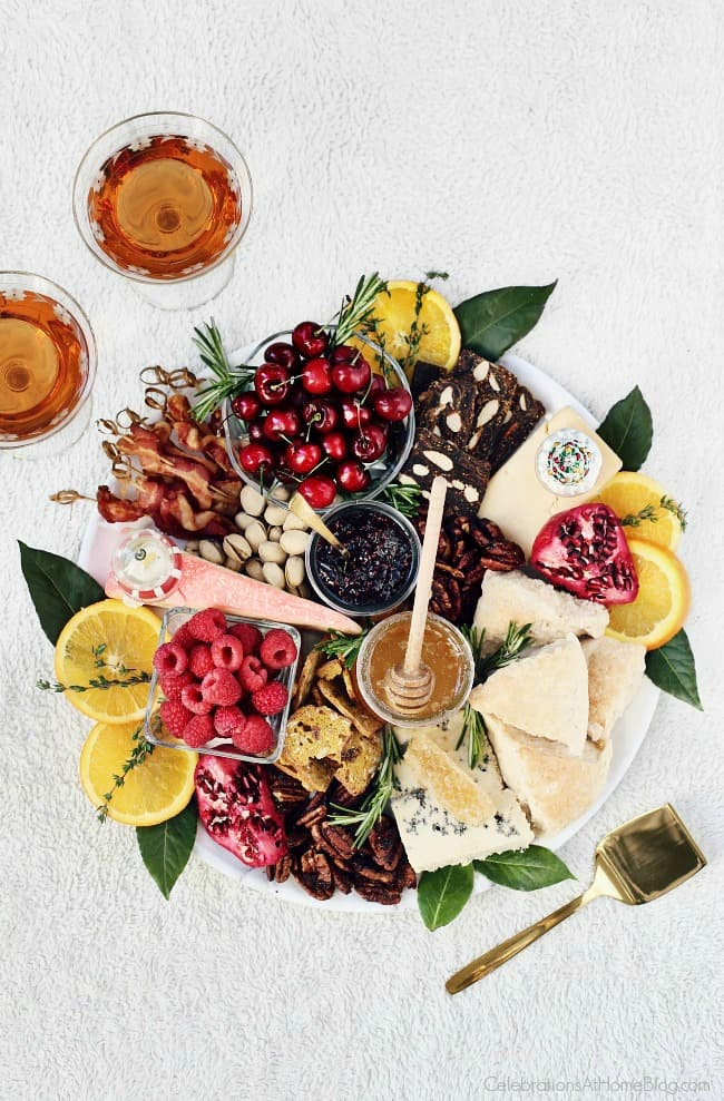 Create a Christmas Brunch Cheese Board for your morning festivities with these ideas. This is great for entertaining any time during the holidays! #cheese #cheeseboard #entertaining #Christmas #brunch